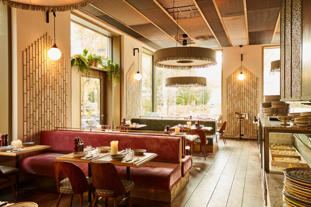 Marta_restaurant_münchen_schwabinger_tor_trattoria_bar_italienisch_italiener_mittagessen_abendessen_lunch_dinner_wein_feinkost_interior_schick_edel_angesagt